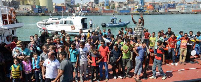 Stop agli sbarchi, le coste siciliane off limits per i barconi. Ma solo per il G7