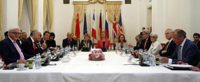 Nucleare, trovato l'accordo con l'Iran. Israele minaccia: «Lo faremo saltare»