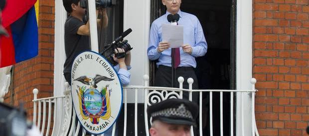 Wikileaks spiega i Panama papers: gli Usa e Soros dietro gli attacchi a Putin