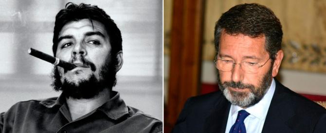 Il caldo si fa sentire anche su Marino: «Io sono come Che Guevara…»
