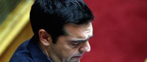 """Tsipras ora imbarazza la sinistra, da """"eroe"""" ad apprendista stregone"""