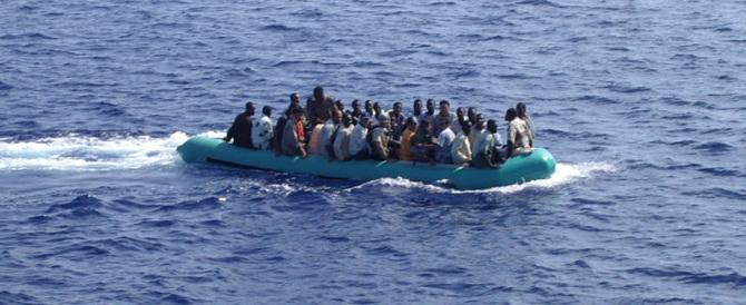 Migranti, nuova tragedia: recuperati 12 corpi dalla Guardia Costiera