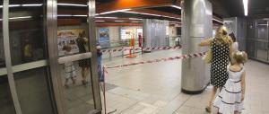 La disperazione dell'eroe mancato che voleva aiutare il bimbo nella metro