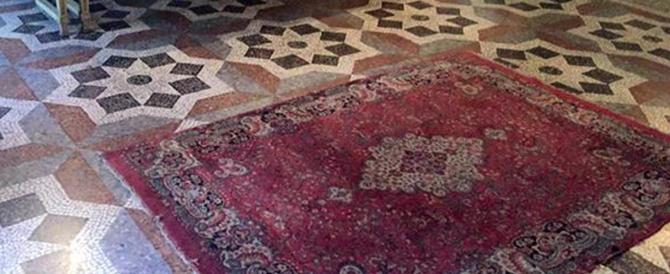 Torino, una moschea in Comune: la Lega toglie il tappeto…