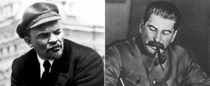 """""""Stalin"""" prende a ombrellate """"Lenin"""" sulla Piazza Rossa"""