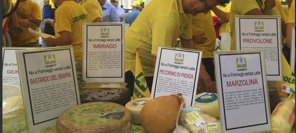 Gli allevatori assediano Montecitorio: «No al formaggio senza latte»