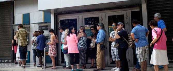 """Così le banche ci """"spennano"""": salassi su conti correnti e carte di credito"""