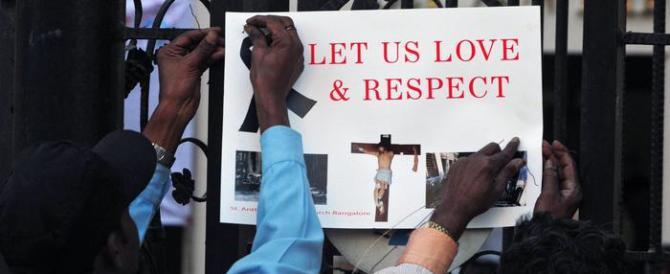 India, violenze contro i cristiani: profanata una chiesa e danneggiato l'altare