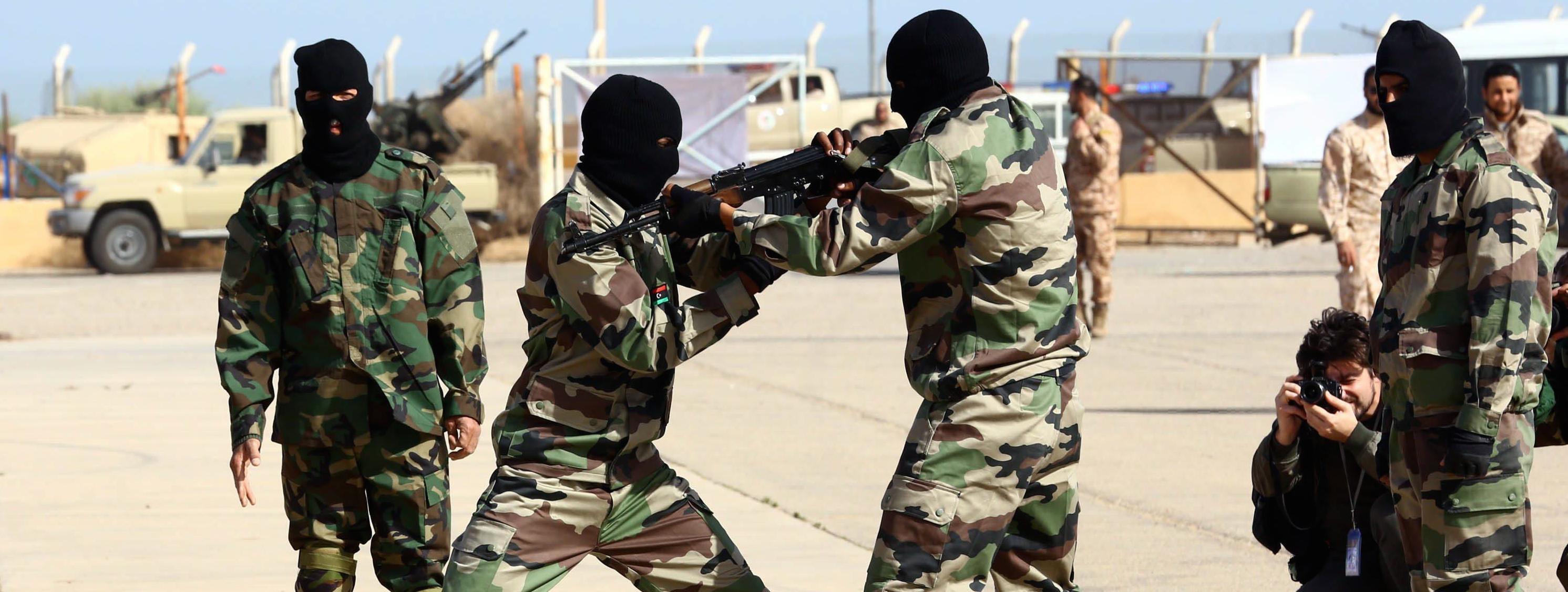 L'esercito libico in addestramento