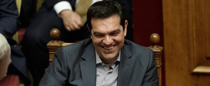 Grecia, sì del Parlamento alle riforme di Tsipras. Via libera anche dall'Ue