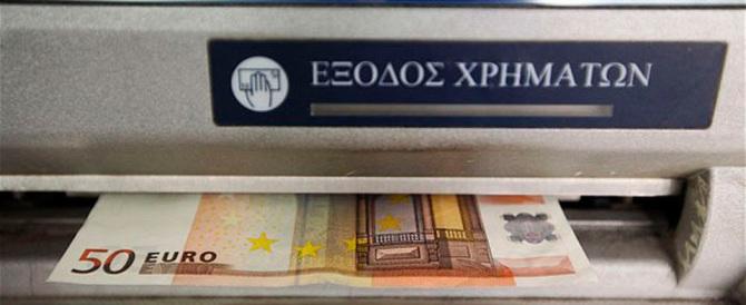 Grecia, sì al prestito ponte da 7 miliardi. Draghi dà liquidità alle banche