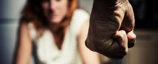 Donna magrebina non sa cucinare né pulire: e giù botte da marito e suocera