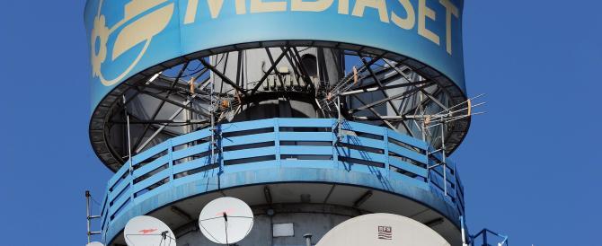 Mediaset- Sky, è scontro sull'uso dei programmi del Biscione sul satellite