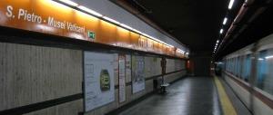 Bigliettaia aggredita in metro da rifugiato. Ma la accusano di razzismo