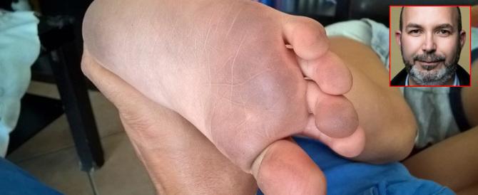 """Il complotto dei piedi sporchi: il web ride per le """"denunce"""" del grillino Crimi"""