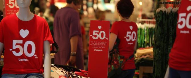 Saldi, partenza senza botto: prevista una spesa media di 200 euro a famiglia