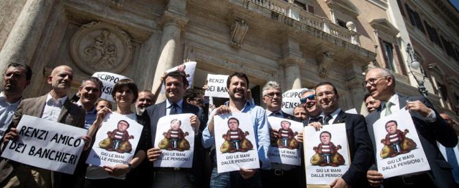 Salvini attacca: «Uscita concordata dall'euro. E rivedere tutti i trattati»