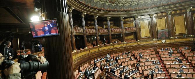 Paghiamo un Parlamento paralizzato da riforme inutili e liti sui matrimoni gay