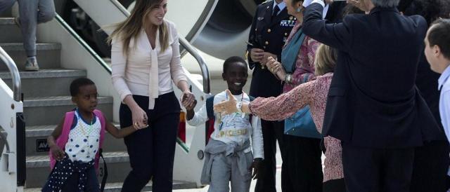 È ufficiale, quello della Boschi fu uno spot: 150 bimbi ancora fermi in Congo