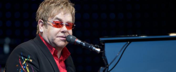Brugnaro attacca Elton John e Celentano: «Sapientoni e ricconi»