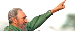 """Castro, il """"nazionalista"""" che abbracciò il comunismo in odio all'America"""