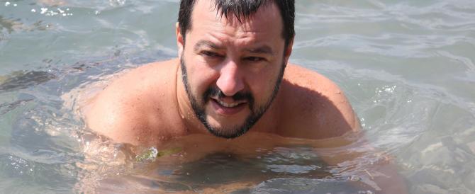 """Matteo Salvini canta """"Io vagabondo"""" ad Alfano: «Così saprai cosa fare…»"""