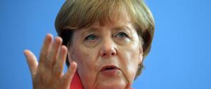 Migranti, la Merkel concede la grazia a Renzi: «Va bene, ti aiutiamo anche noi»