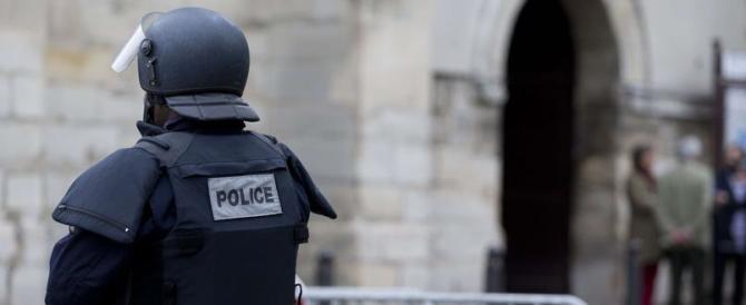 «Strage a messa». La cronaca del fallito attentato a due chiese di Parigi