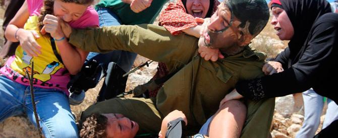 Trappola mediatica per il soldato israeliano provocato dai palestinesi