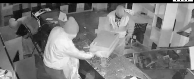 Bergamo, negoziante derubato offre lavoro a chi lo aiuta a trovare i ladri