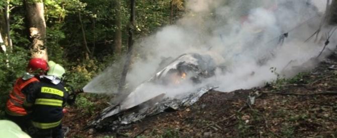 Tragedia nei cieli della Slovacchia: strage tra paracadutisti, sette morti