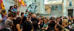 """La beffa del Campidoglio: """"al macero"""" migliaia di precarie di asili e materne"""