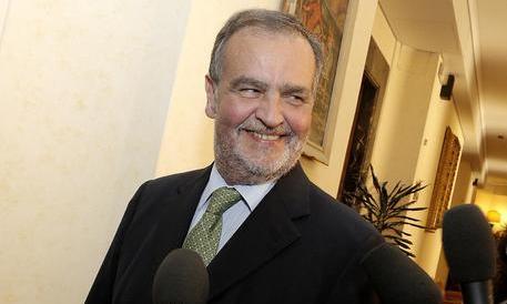 Macerata, Calderoli: «Oseghale sarebbe già fuori dal carcere se avesse un domicilio»