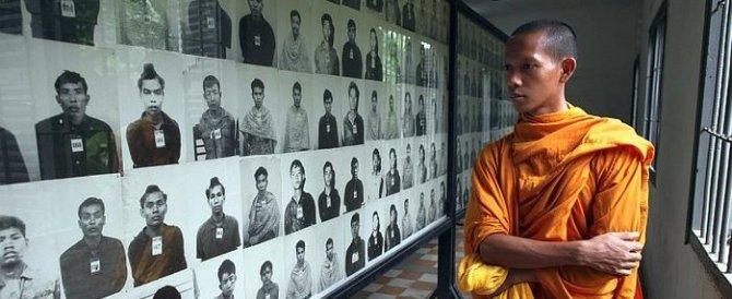 """Cambogia, morta la """"lady rossa"""": fu responsabile di torture, fame, stragi"""