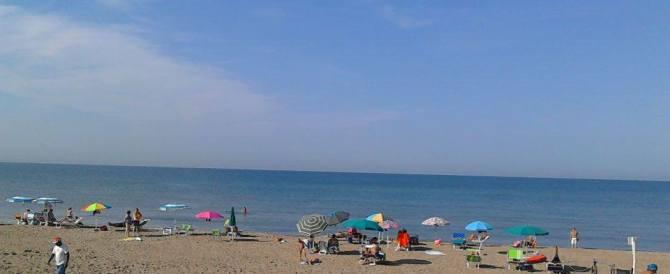 Preso camorrista latitante: era in spiaggia con la famiglia a Torvajanica