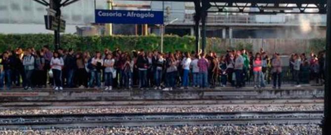 Capotreno aggredito sulla tratta Napoli-Caserta: fermato il branco