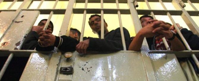 Spoleto, poliziotto aggredito in cella: l'ennesima vittima di detenuti violenti