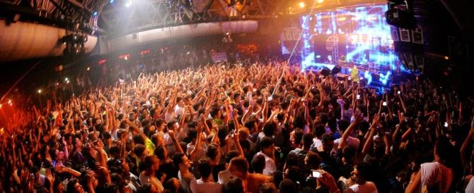 Sballo e droghe, la destra contro Alfano: giù le mani dalle discoteche