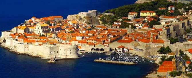 Vacanze: gli italiani preferiscono la Puglia. E all'estero scelgono la Croazia