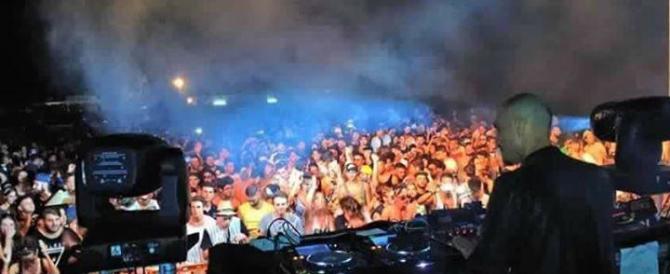 Arezzo, auto contro giovani fuori alla discoteca: tutti illesi. Non è terrorismo