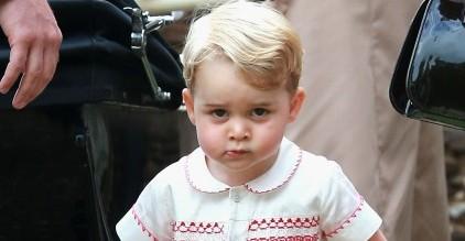 William e Kate ai paparazzi: ora basta, lasciate in pace il principino George