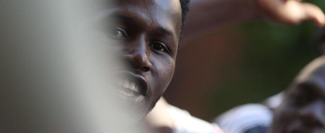 Disoccupata, terze nozze con gli immigrati: «Mi pagano 9000 euro»