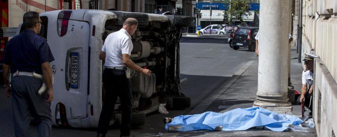 Roma, incidente mortale a piazza del Popolo: un furgone uccide una donna