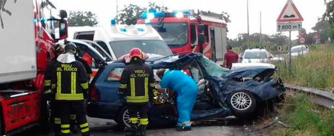Incidente mortale di Acerra, il padre si era messo alla guida dopo una canna