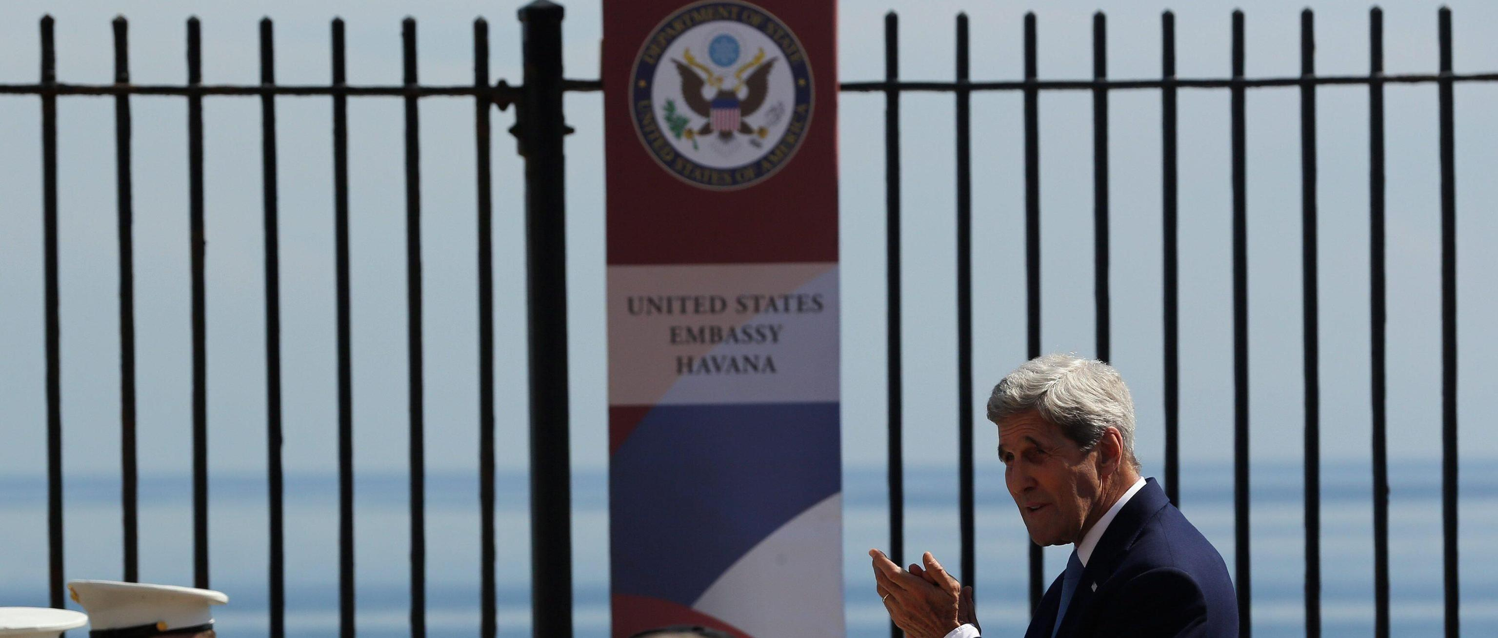 John Kerry riapre l'ambasciata americana a Cuba
