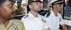 Sentenza beffa sui due marò: Girone resta in India, Latorre deve tornare