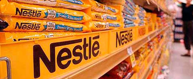 La politica pro-family di Nestlé: un modo per far dimenticare il latte in polvere?