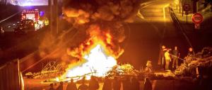 """Nomadi in rivolta per il funerale del capo: Parigi si arrende ai suoi """"Casamonica"""""""