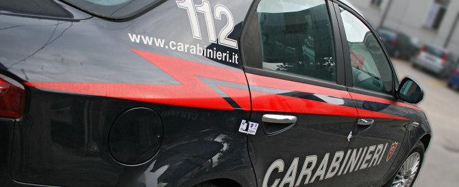 E' italiano, deve vedersela da solo: pensionato salvato dai carabinieri