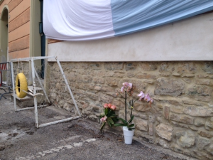 Bimba di 5 anni morta sotto una porta di calcetto: c'è un indagato